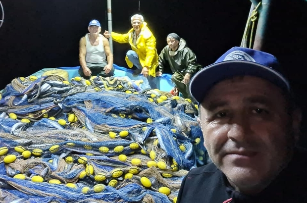 Balıkçılar limana kasa kasa palamutla döndü
