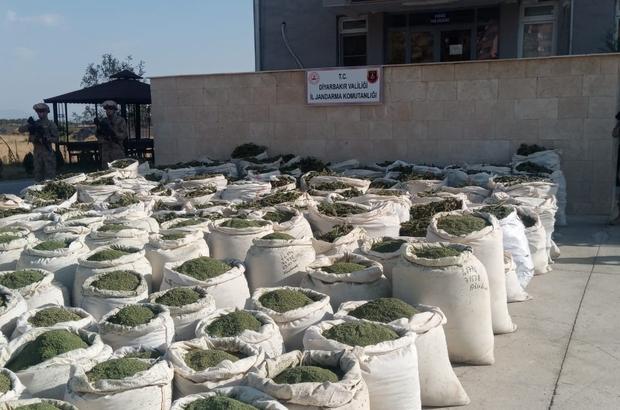 Diyarbakır'da narko-terör operasyonu: 4 ton esrar, 236 bin kök kenevir ele  geçirildi - Diyarbakır Haberleri
