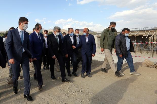 Vali Bilmez Gürpınar'daki köprü ve yol yatırımlarını inceledi