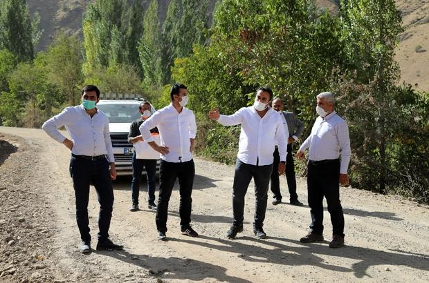 Van Büyükşehir, Bahçesaray'ın mahallelerini asfaltlıyor