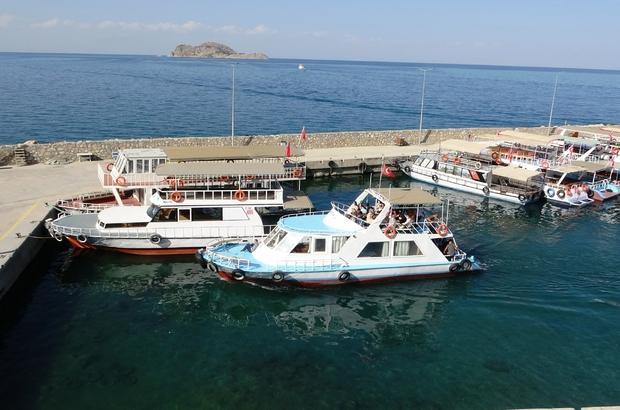 (Özel) Turizme korona virüs etkisi Gevaş'ta tekneciler yüzde 20 kapasiteyle çalışıyor