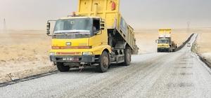 Kadınhanı'nda 148 kilometre mahalle yolu yenilendi