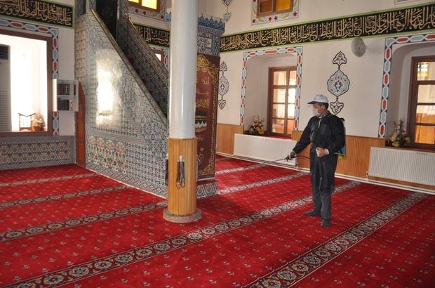 Bayat'ta tüm camiler dezenfekte edildi