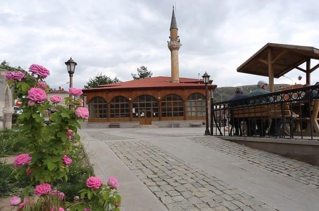 Gülabibey Camisi'nde 5,5 asırdır ezan sesi yükseliyor