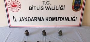 Bitlis'te terör örgütüne ait 9 adet el bombası ele geçirildi