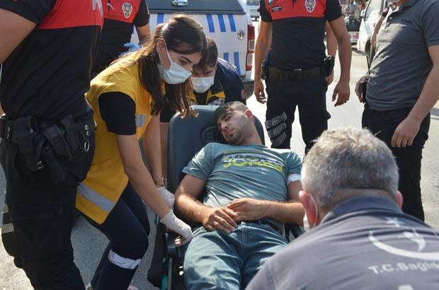 Polis camı kırıp hayat kurtardı Adana'da uyuşturucu aldıktan sonra kendinden geçtiği öne sürülen ve otomobilde kilitli kalan bir kişi polis tarafından aracın camı kırılarak kurtarılıp, hastaneye yetiştirildi Otomobilin yan koltuğunda ise tabanca ele geçirildi