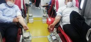 Akıncılar'da 58 ünite kan toplandı Sivas'ın Akıncılar ilçesinde Türk Kızılay'ı Sivas Şubesince düzenlenen kan bağışı kampanyasında 58 ünite kan toplandı.