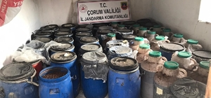 Jandarma'dan kaçak içki operasyonu Operasyonda 8 bin 840 litre içki ele geçirildi