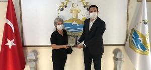 Diş hekimi ekipmanlarını hastaneye bağışladı