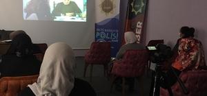 """Bakan Soylu övgüyle bahsetmişti Afyonkarahisar'da """"En İyi Narkotik Polisi Anne"""" projesi devam ediyor 25 anne ve anne adayına eğitim verildi"""