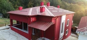 Ordulu şehidin baba ocağı 3 ayda yeniden inşa edildi Hakkari'de geçen yıl şehit olan Ordulu Piyade Sözleşmeli Er Salih Altuntaş'ın ailesine yeni bir ev yapıldı