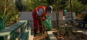 Diyarbakır'daki mezarlıklarda temizlik ve bakım çalışması