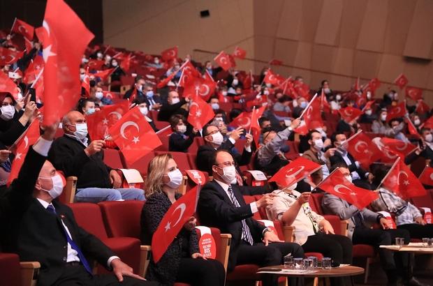 Başkan Örki, Cumhuriyet için söyledi, personeli sahnede bağımsızlığı anlattı