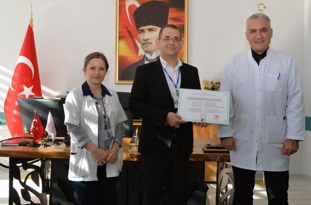Muğla Eğitim Araştırma Hastanesine Uluslararası sağlık turizmi belgesi Muğla Eğitim ve Araştırma Hastanesine, Sağlık Bakanlığı tarafından 'Uluslararası Sağlık Turizmi Yetki Belgesi' verildi.
