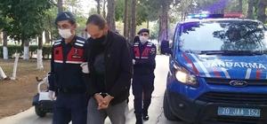 Denizli ve Bolu'da yakalanan suç çetesinden 2 kişi tutuklandı Bolu'da yakalanan ve cezaevinden izinli çıkan 2 şahıs tutuklandı 350 bin TL'lik dolandırıcılık olayında 2 kişi tutuklanırken, 3'ü adli kontrol ile serbest bırakıldı