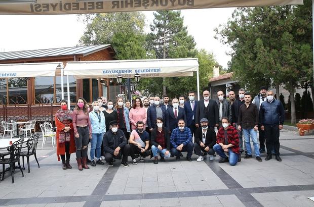 Başkan Büyükkılıç Bursa Devlet Tiyatrosu sanatçıları ile bir araya geldi