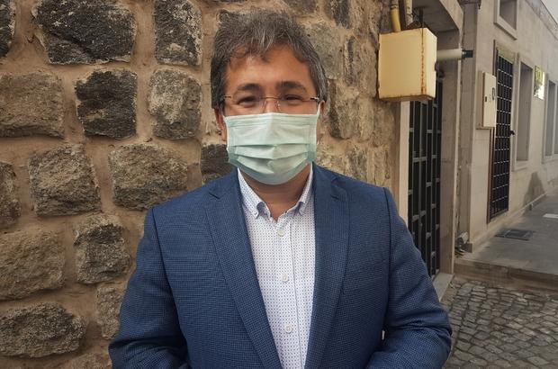 """Kayseri'de online eğitimde olan üniversite öğrencileri filyasyon çalışmalarında ön plana çıktı İl Sağlık Müdürü Ali Ramazan Benli: """"Birbirlerine nereden bulaştırıyorlar diye baktığımız zaman, akşamları dışarıda beraber olmaları, ev içerisinde arkadaşları ile buluşmaları gözüküyor"""""""