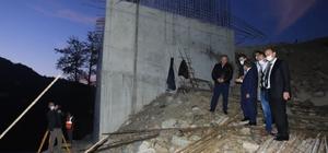 """Milletvekili Öztürk: """"Köprü inşaatı yıl sonuna tamamlanacak"""" AK Parti Giresun  Milletvekili Sabri Öztürk, 5 askerin şehit olduğu, bir iş makinesi operatörünün kayıp olduğu yere yapılan köprü inşaatında incelemelerde bulundu"""