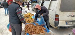 Kırka pazarında muşmula bereketi
