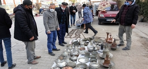 Asırlık eski eşya pazarına yoğun ilgi