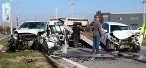 Karantinadan çıktı, hastaneye giderken kazaya karıştığı otomobilde sıkıştı Duble yolda iki otomobilin kafa kafaya çarpıştığı kazada 2 kişi yaralandı Otomobillerin hurdaya döndüğü kazada araçta sıkışan sürücü itfaiye ekiplerince kurtarıldı
