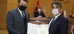 Vali Ayhan artık Sivaslı Sivas İl Genel Meclisi, Valilik görevinden önce de Sivas'ta uzun yıllar görev yapan Sivas Valisi Salih Ayhan'a fahri hemşerilik beratı verdi.