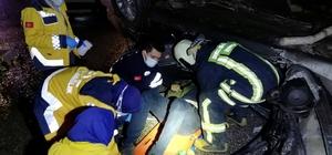 Kayganlaşan yolda bariyere çarpan otomobil takla attı: 5 yaralı