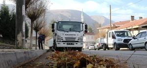 İnönü Belediyesi sonbahar temizliği çalışmalarını sürdürüyor