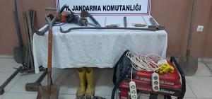 Bursa'da define avcıları kazdıkları kuyuda yakalandı
