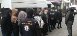 Şüpheli araçta 27 yasa dışı göçmen yakalandı
