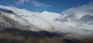 """Başkan Çay'dan kayak merkezi çağrısı Pozantı Belediye Başkanı Mustafa Çay,  ilçe sınırları içerisinde yer alan ve yaklaşık 175 bin metrekarelik bir alana sahip Elmalı Boğazı mevkisine kayak merkezi kurulması istedi Çay: """"Çukurova'yı ayağa kaldırmak istiyorsak, turizme açmak istiyorsak lütfen sesimizi duyun"""""""