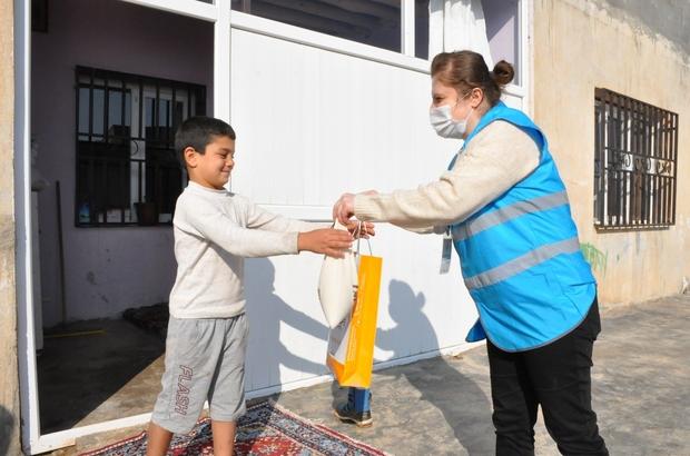 Kızıltepe'de Yerli Malı Haftasında çocuklara Mardin bulguru hediye edildi