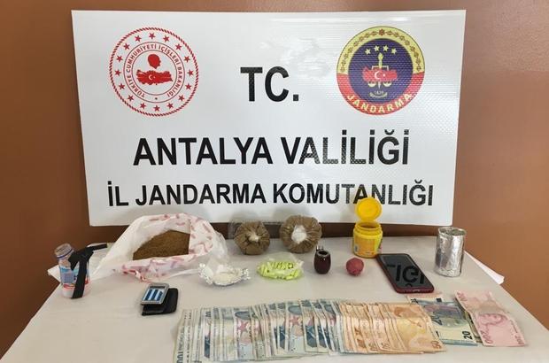 Turistlere uyuşturucu satan şüpheliye jandarma baskını