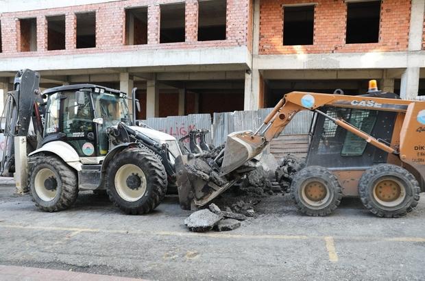 İlkadım Belediyesi kısıtlamayı fırsata çevirdi Bozuk sokak ve caddelerde yolları onarıldı