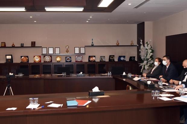 """GSO Aralık ayı meclis toplantısı yapıldı Meclis Başkanı Adil Sani Konukoğlu: """"2021 yılının felaketlerin ve zorlukların geride kaldığı bir yıl olmasını temenni ediyorum"""" """"Tüm zorluklara rağmen bu süreçte üreten, ihraç eden sanayicilerimize, tüm çalışanlarımıza, emek veren, taş üstüne taş koyan herkese çok teşekkür ediyorum"""""""