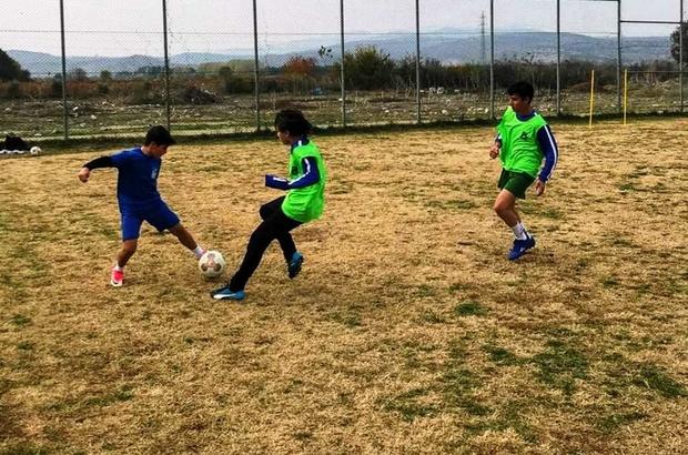 Yunusemre futbol altyapıda çalışmalar sürüyor