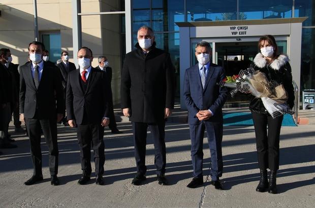 Kültür ve Turizm Bakanı Ersoy Elazığ'dan Tunceli'ye geçti