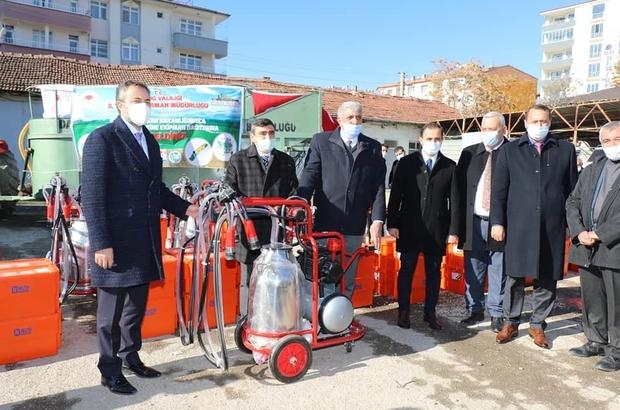Elazığ'da besicilere makine ekipman desteği