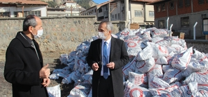 Tosya'da ihtiyaç sahibi ailelere kömür yardımı başlıyor