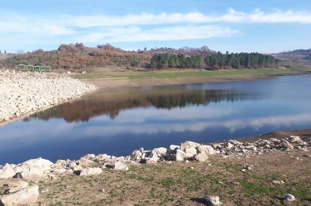 Mustafakemalpaşa'da göletteki kuraklık tedirgin ediyor