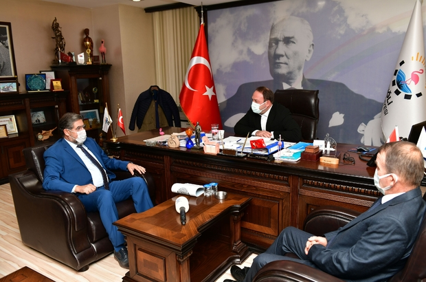 İzmir Servisçiler Odasından Başkan Utku Gümrükçü'ye teşekkür