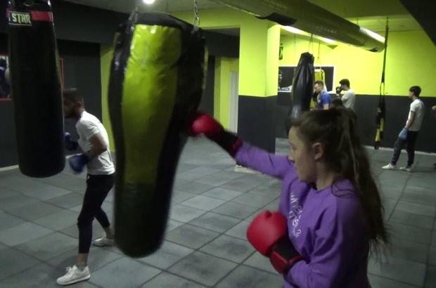Boksörler pandemi dönemini avantaja çevirmek istiyor Esra Aybuke Falay korona virüse karşı boks yaparak korunuyor