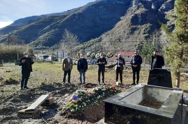 Trabzonspor Başkanı Ağaoğlu'ndan Sümer'in mezarına ziyaret