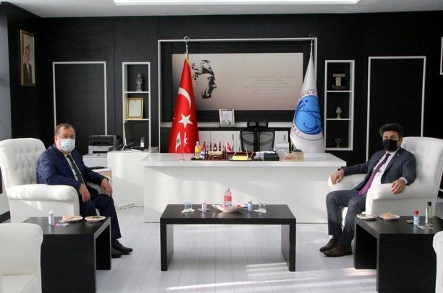 Başkan Ramazan Rektör Karacoşkun'la bir araya geldi