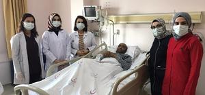 60 yaşındaki korona hastası 155 gün sonra yoğun bakımdan çıktı