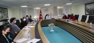Aydın'da 112 ekipleri değerlendirme toplantısı yapıldı 2020 yılında dereceye giren 112 istasyonlarına belgeleri verildi