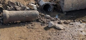 Su taşkınlarından etkilenen kırsal mahalleye beton boru hizmeti