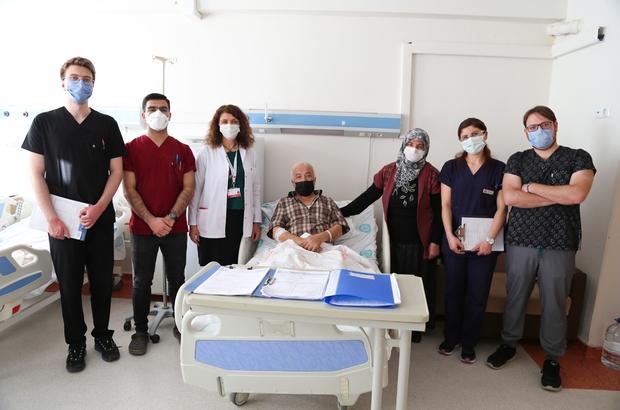 Dikkat bu hastalık ayak şeklini bozuyor Sivas Cumhuriyet Üniversitesi'nde görevli Dr. Öğr. Üyesi Neşe Kurt Özkay, şeker hastalığı nedeniyle ayak şeklinin bozulabileceğini belirterek, ayaklara çok iyi bakılması gerektiğine dikkat çekti