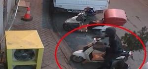 Hırsızlığın böylesi, çaldığı motosikletin yerine bisikletini bıraktı Motosiklet hırsızı güvenlik kamerasına yansıdı