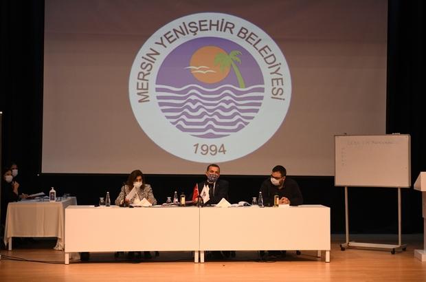 """Özyiğit: """"Yenişehir'de 20 binin üzerinde eve girdik"""" Yenişehir Belediyesinin 2021 yılı Ocak Ayı Olağan Meclis Toplantısının birinci birleşimi, Belediye Başkanı Abdullah Özyiğit başkanlığında Yenişehir Belediyesi Atatürk Kültür Merkezi'nde gerçekleştirildi"""